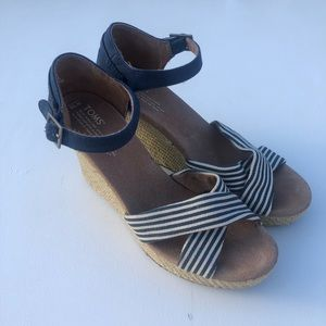 Toms navy and stripes wedges sz w10